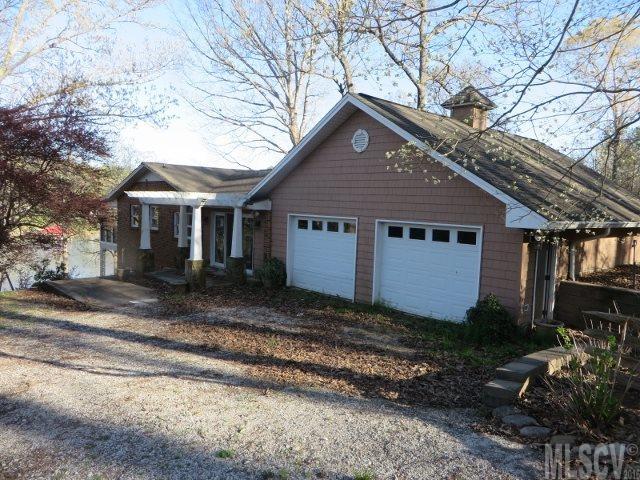 7045 Cove Creek Dr, Sherrills Ford, NC 28673