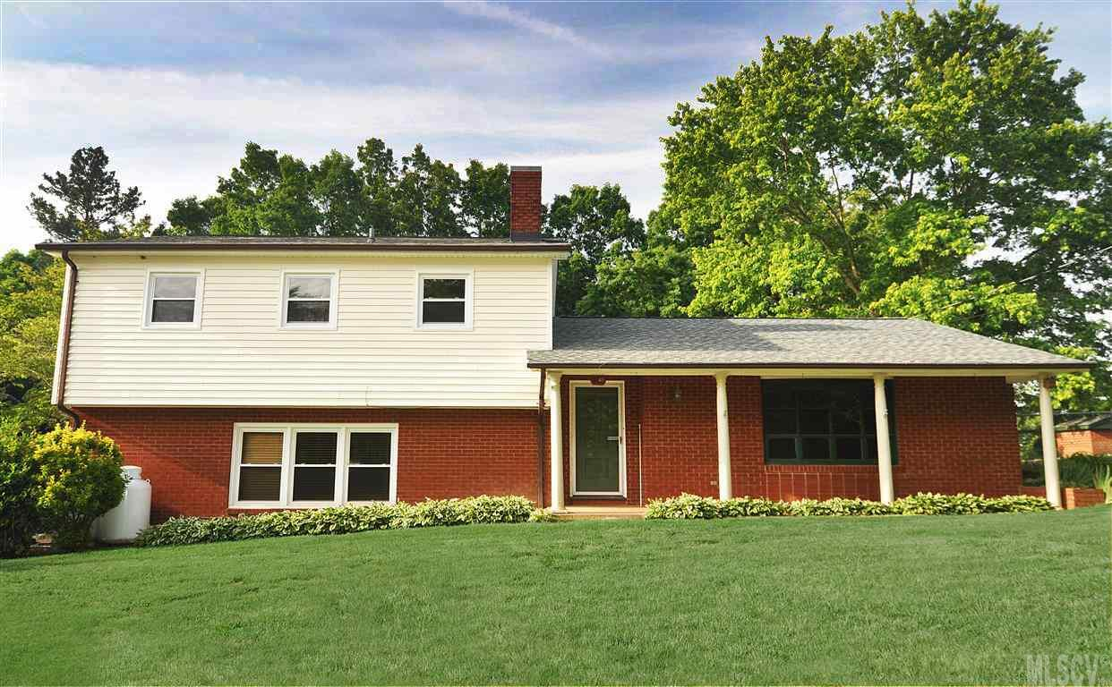 8349 Rolling Hills Ave, Hickory, NC 28602