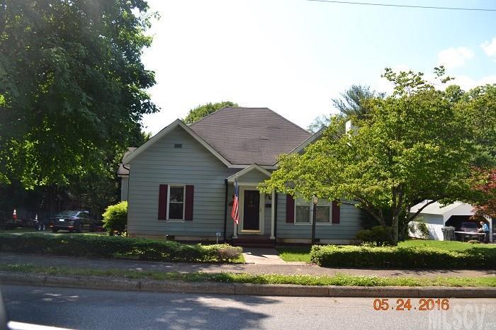 334 S Main Ave, Newton, NC 28658