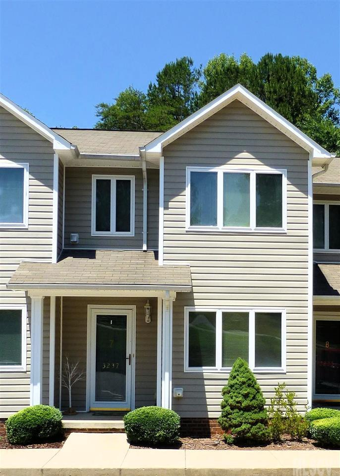3237 White Oak Ct, Claremont, NC 28610