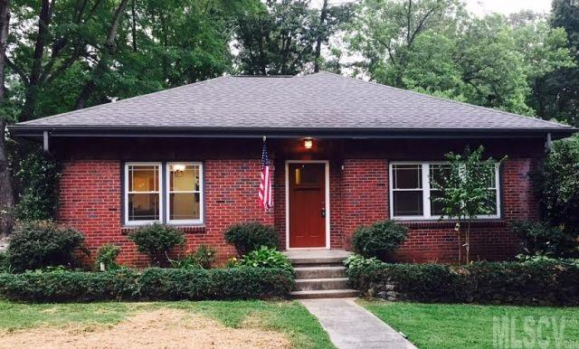 1334 7th St Nw, Hickory, NC 28601