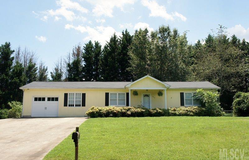 6252 Lynchburg Rd, Hickory, NC 28601