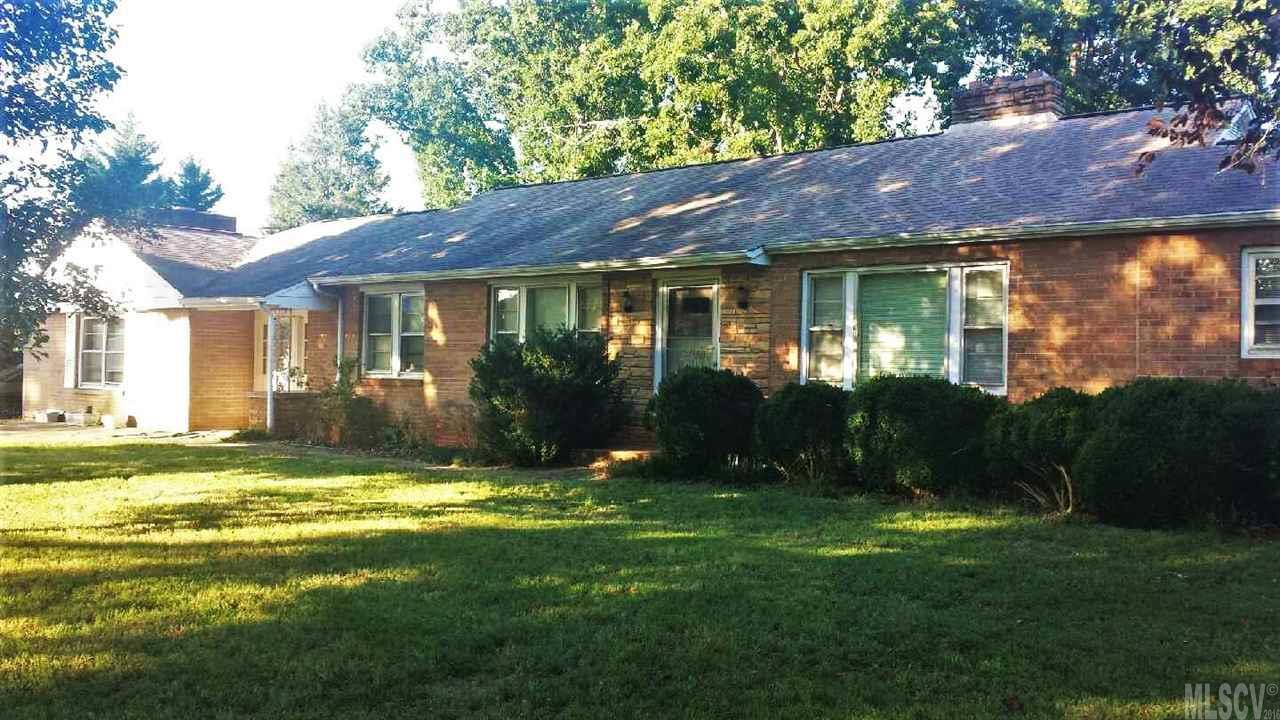 2610 Zion Church Rd, Hickory, NC 28602