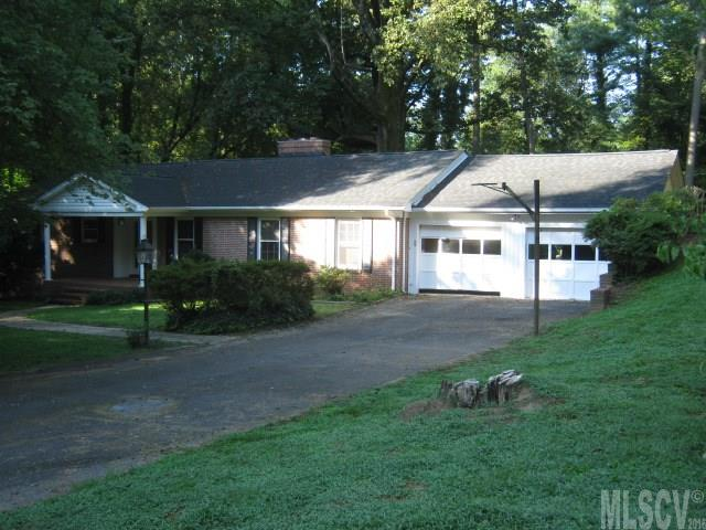 1313 4th St Nw, Hickory, NC 28601