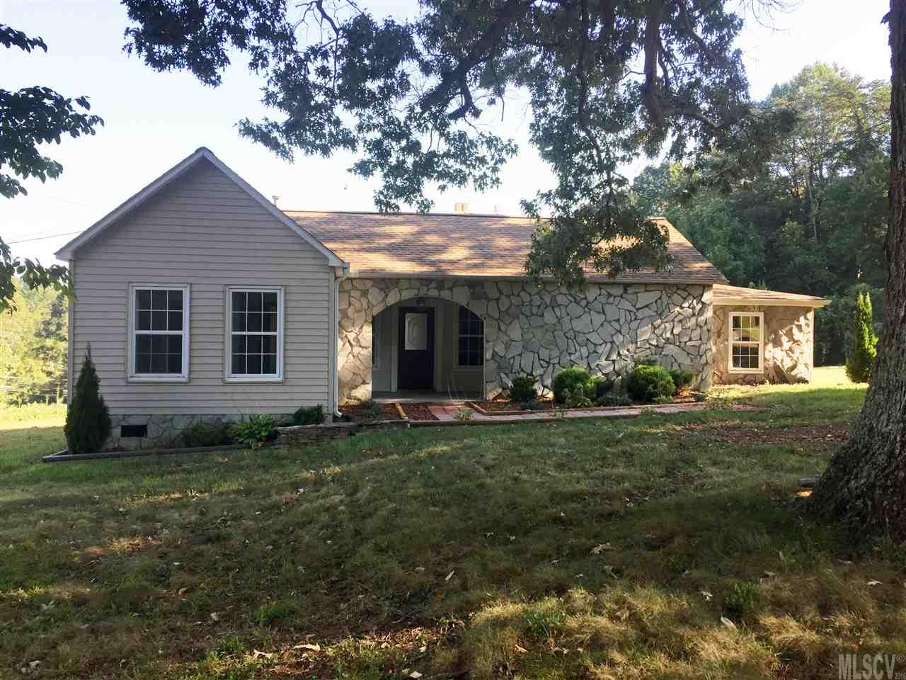 7 E Holly St, Maiden, NC 28650