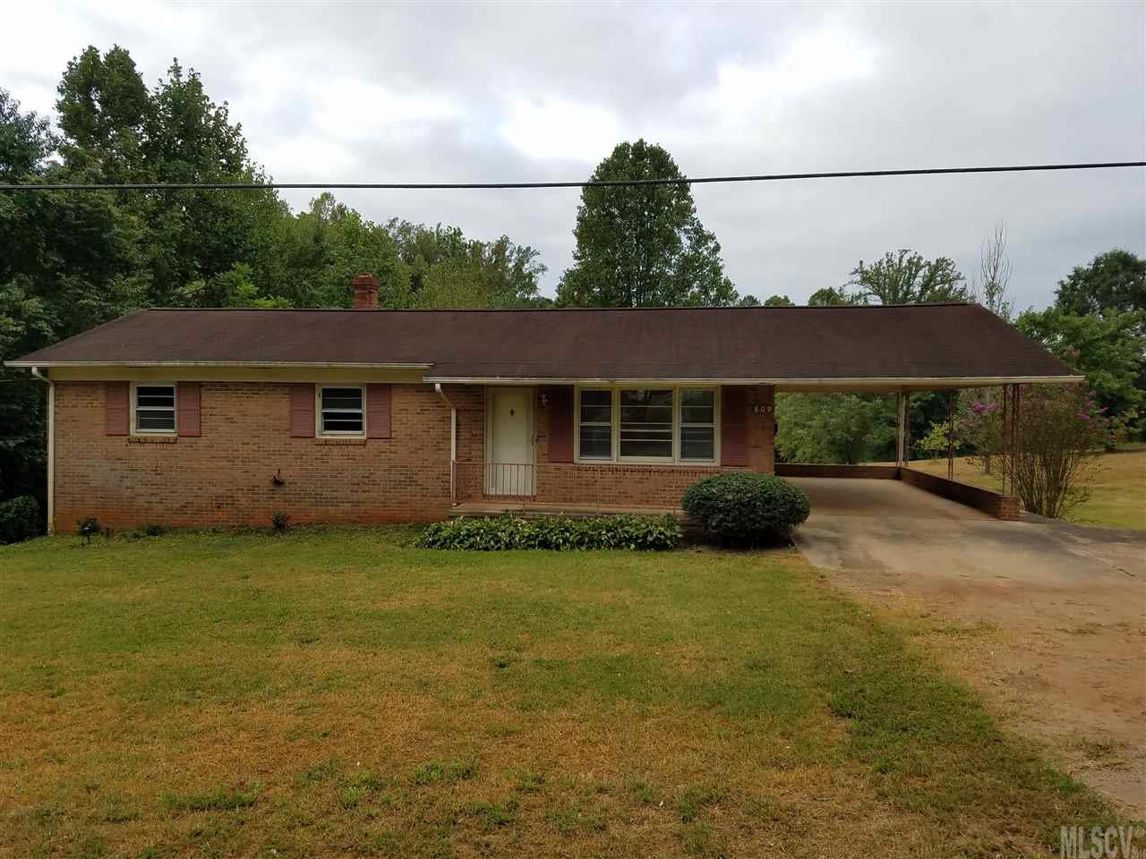 809 4th St Sw, Conover, NC 28613