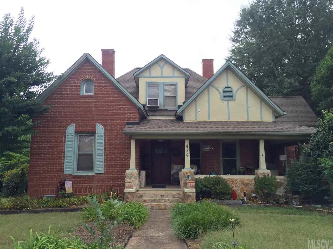 826 8th St Ne, Hickory, NC 28601