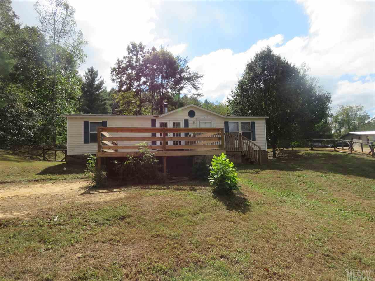 Photo of 104 SYCAMORE DR  Hickory  NC
