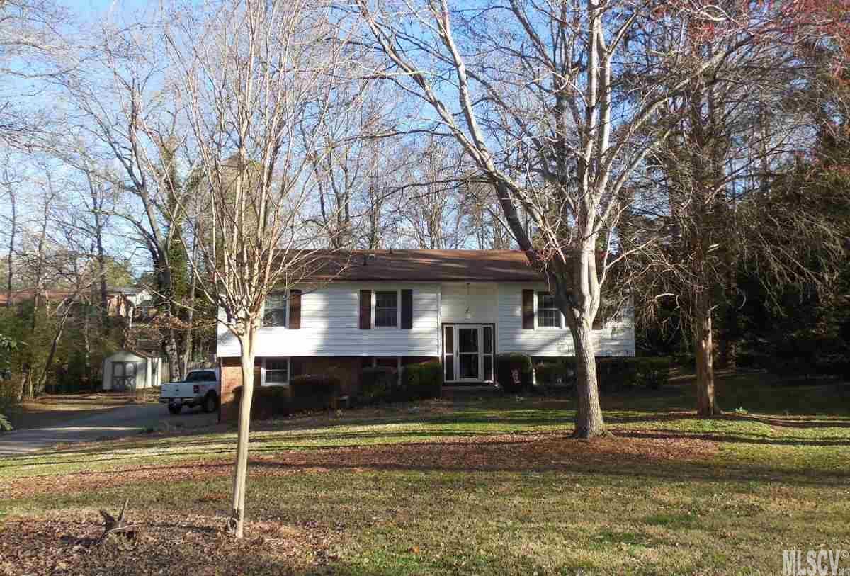 1121 24th Ave Ne, Hickory, NC 28601
