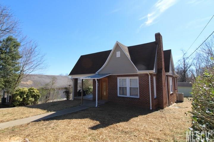 515 Hill St Lenoir, NC 28645