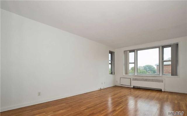 Photo of 600 Pelham Rd  New Rochelle  NY
