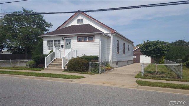 Photo of 108 Thomas Ave  Bethpage  NY