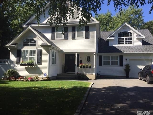 Photo of 21 Gaines Ave  Greenlawn  NY
