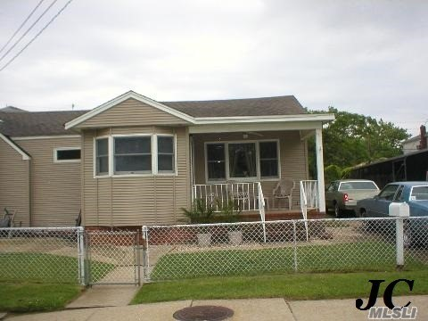 Photo of 167 Waterford Rd  Island Park  NY