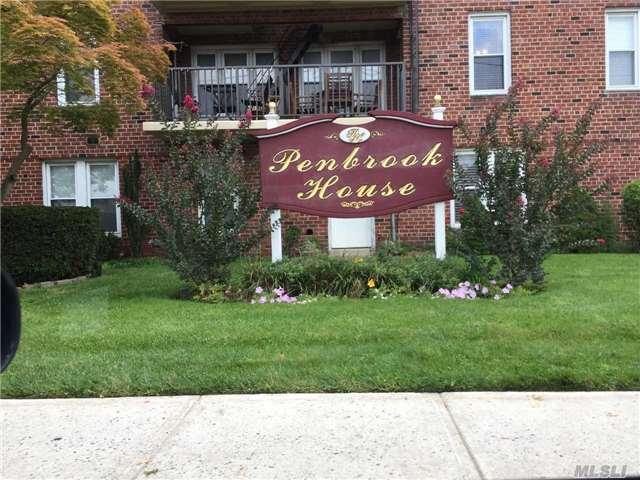 Photo of 60 Hempstead Ave  Lynbrook  NY