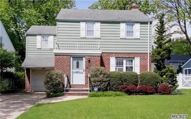 Photo of 247 Fernwood Ter  Stewart Manor  NY
