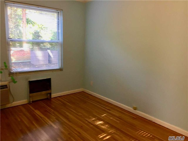 Co-Op, Rental Home - Lawrence, NY (photo 3)
