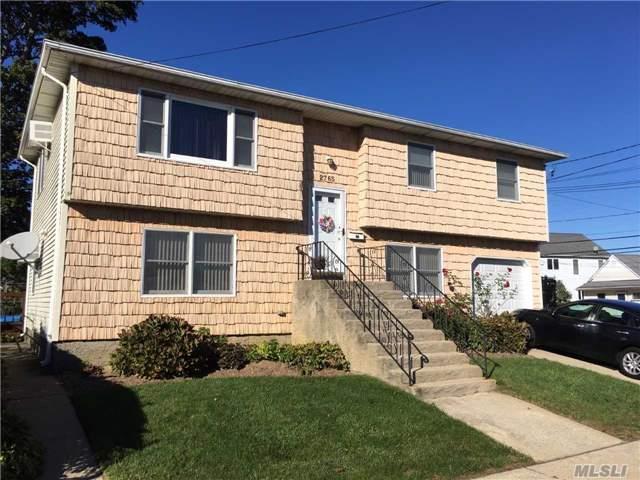2765 W Alder Rd Bellmore, NY 11710