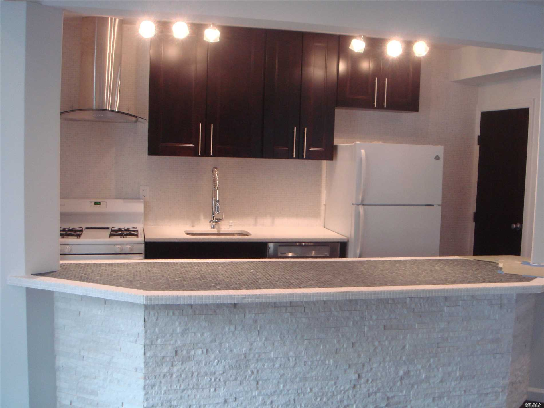 Rental Home, House Rental - Roslyn Heights, NY (photo 1)