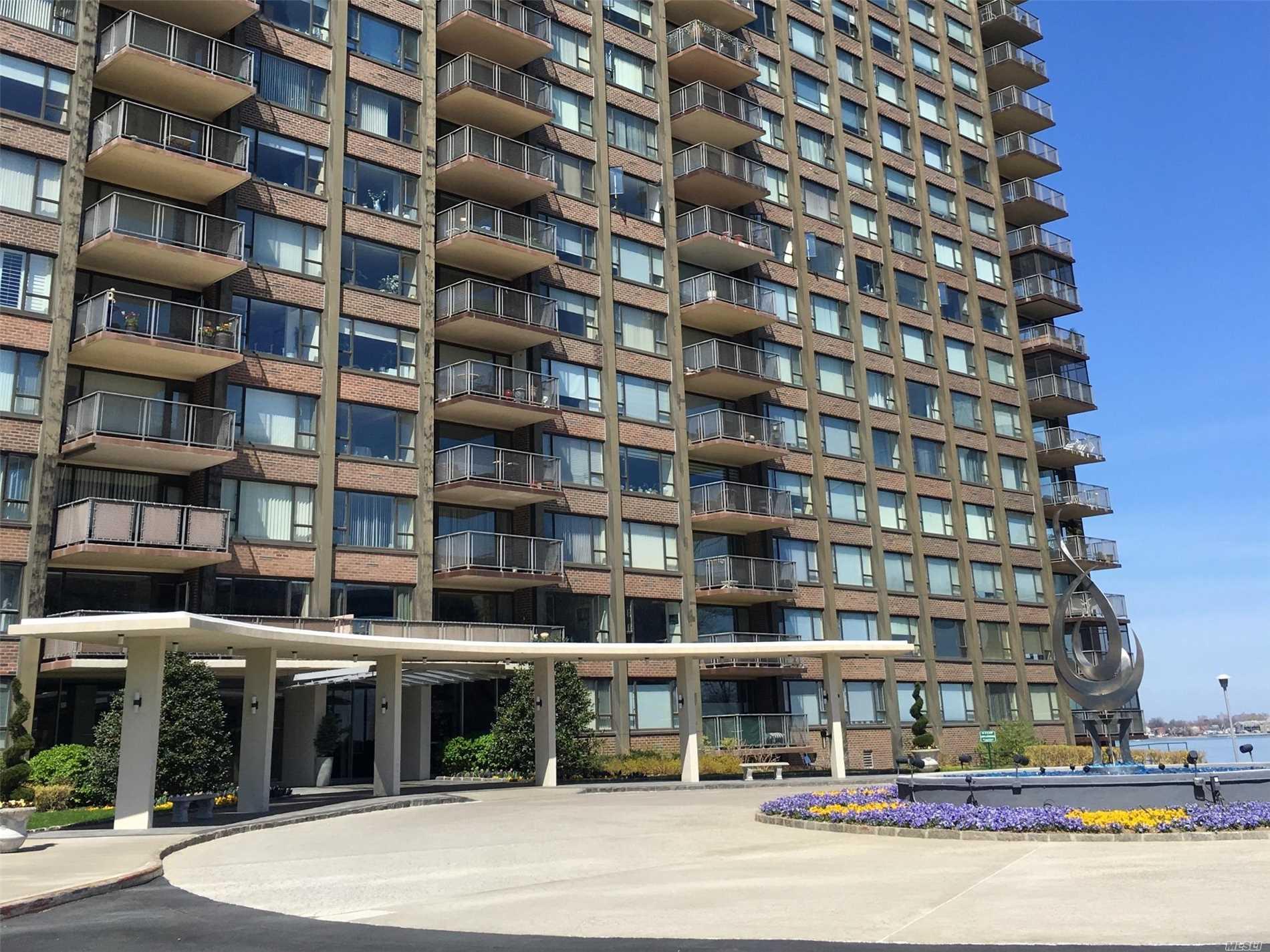 166-25 Powells Cove Blvd Beechhurst, NY 11357