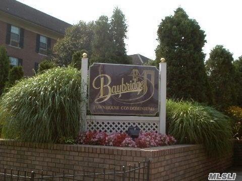 207-09 Estates Dr Bayside, NY 11360