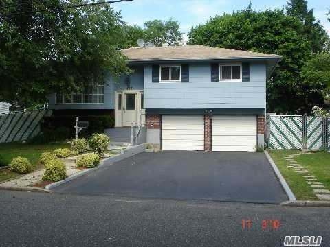 137 Charter Oaks Ave Brentwood, NY 11717