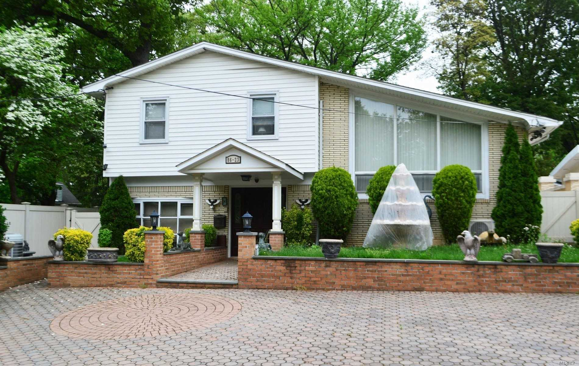 86-23 Sancho St Holliswood, NY 11423