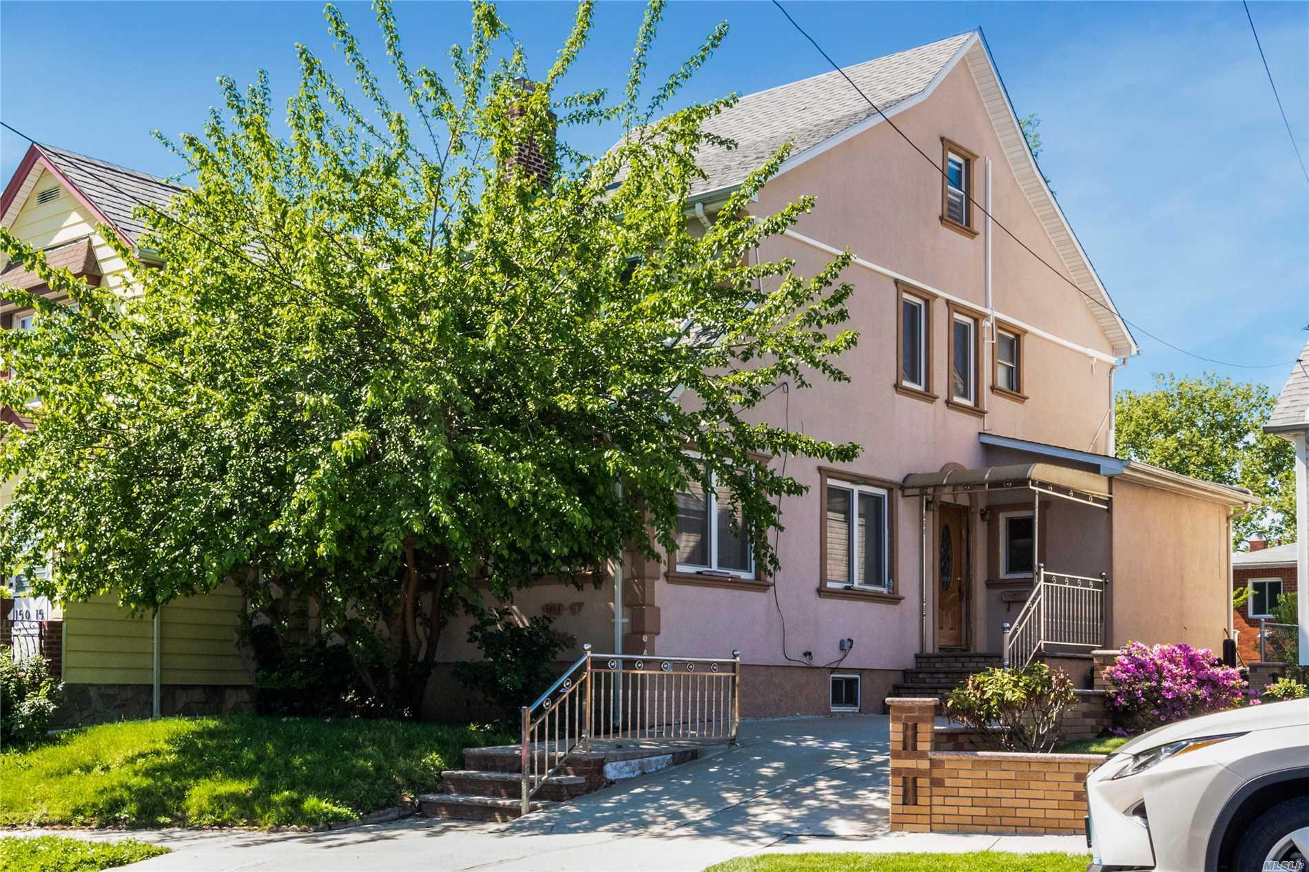 150-17 84 Ave Briarwood, NY 11432