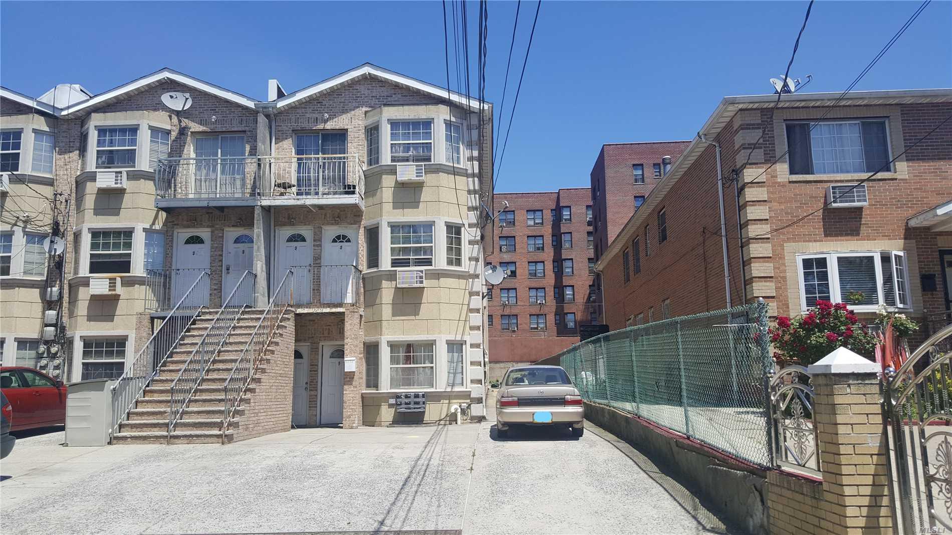 92-21 190 Street Hollis, NY 11423