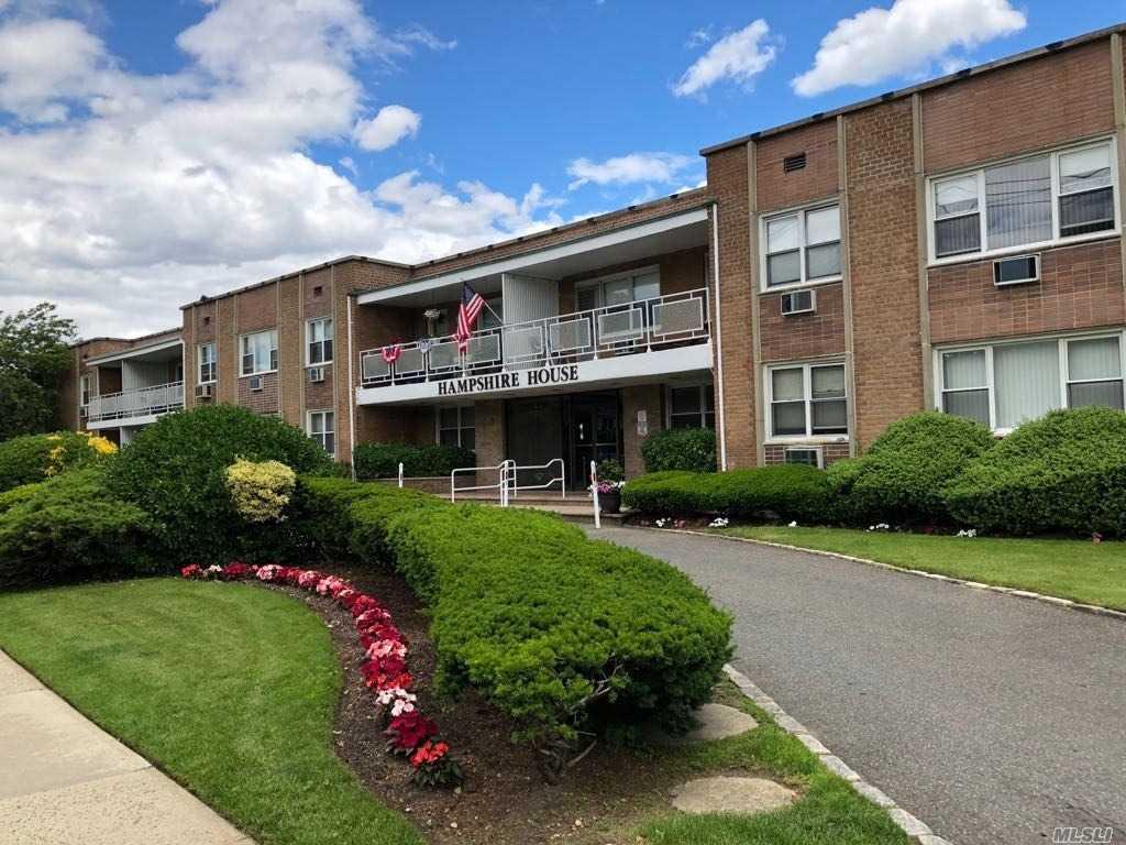 601 Chestnut St Cedarhurst, NY 11516
