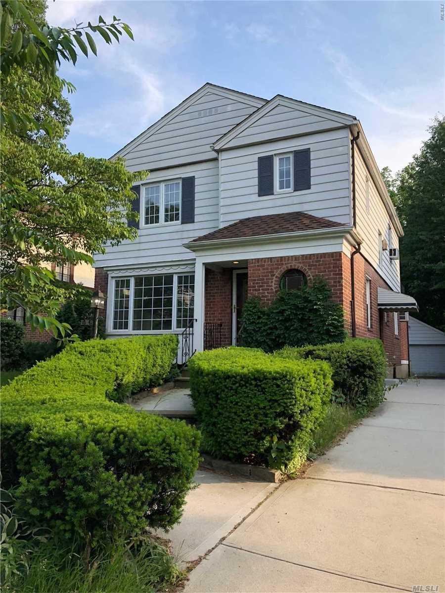 85-42 Chevy Chase St Jamaica Estates, NY 11432