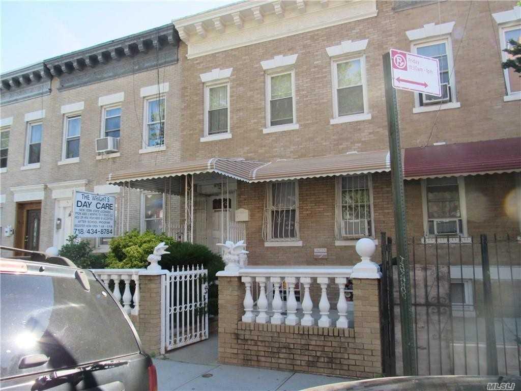 105 Kenilworth Pl Brooklyn, NY 11210