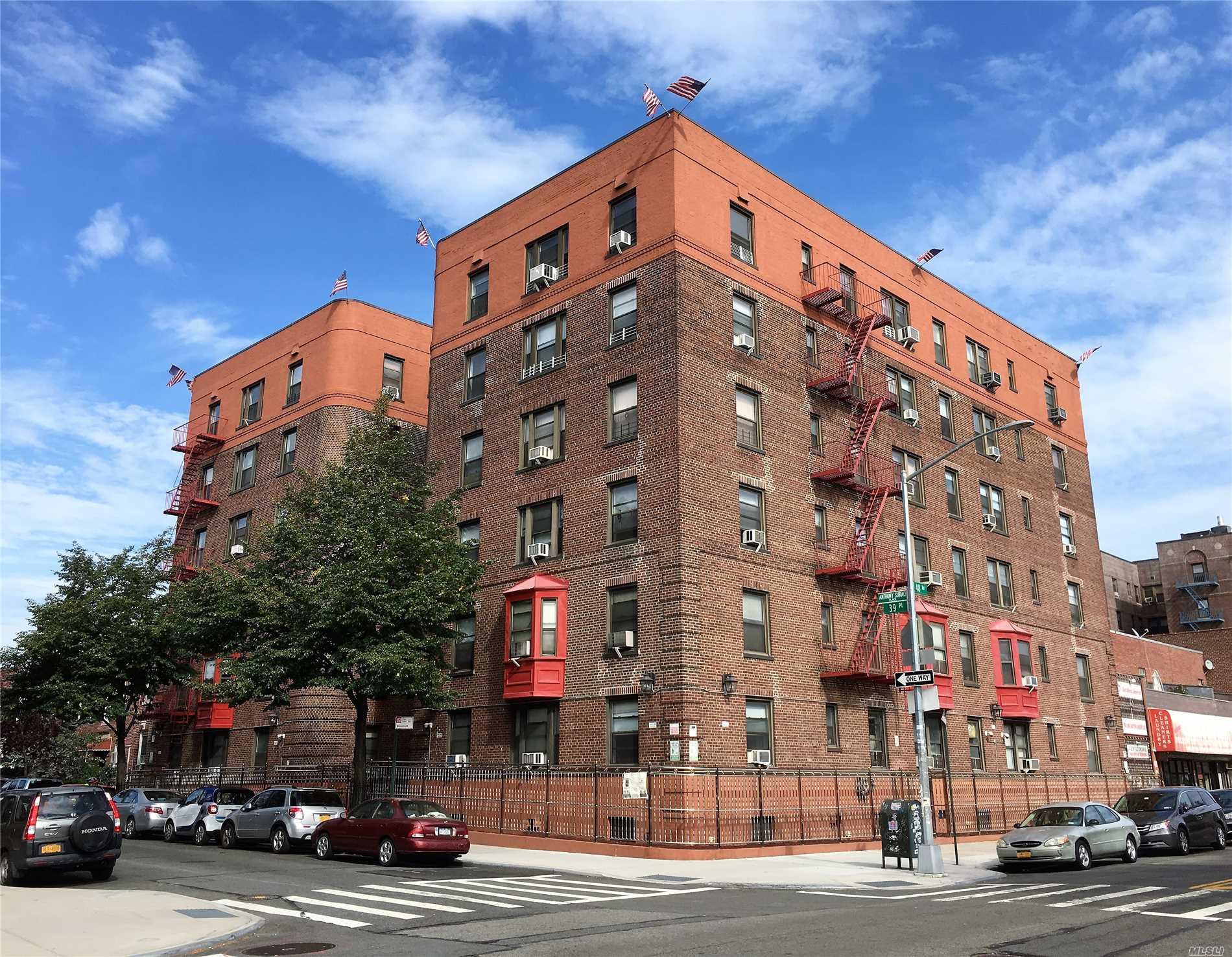 47-55 39th Pl Sunnyside, NY 11104