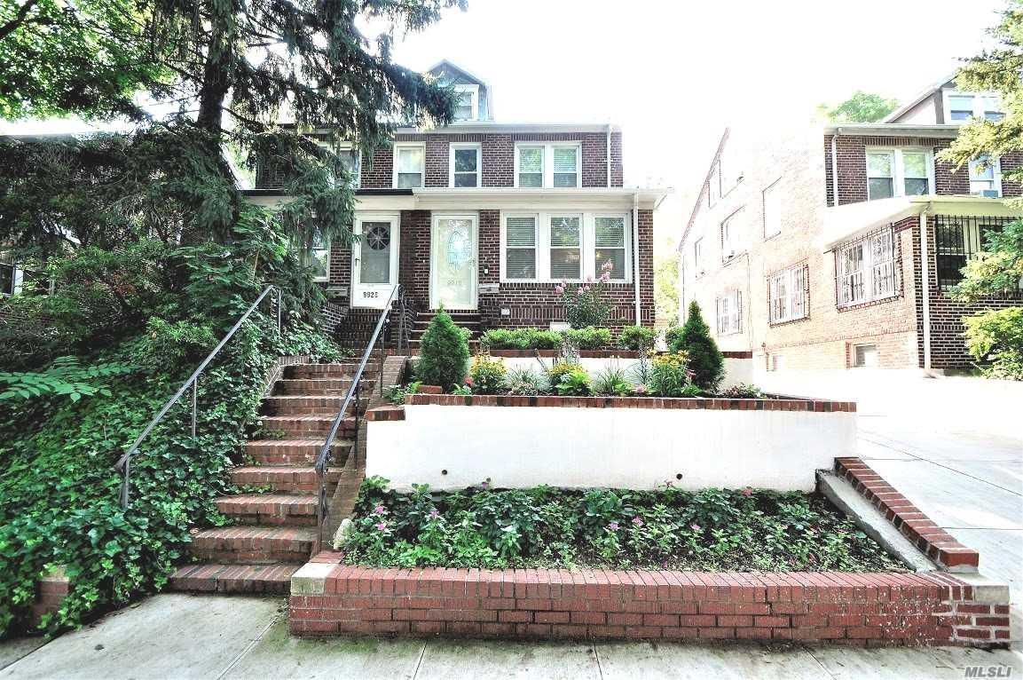 99-18 Ascan Ave Forest Hills, NY 11375