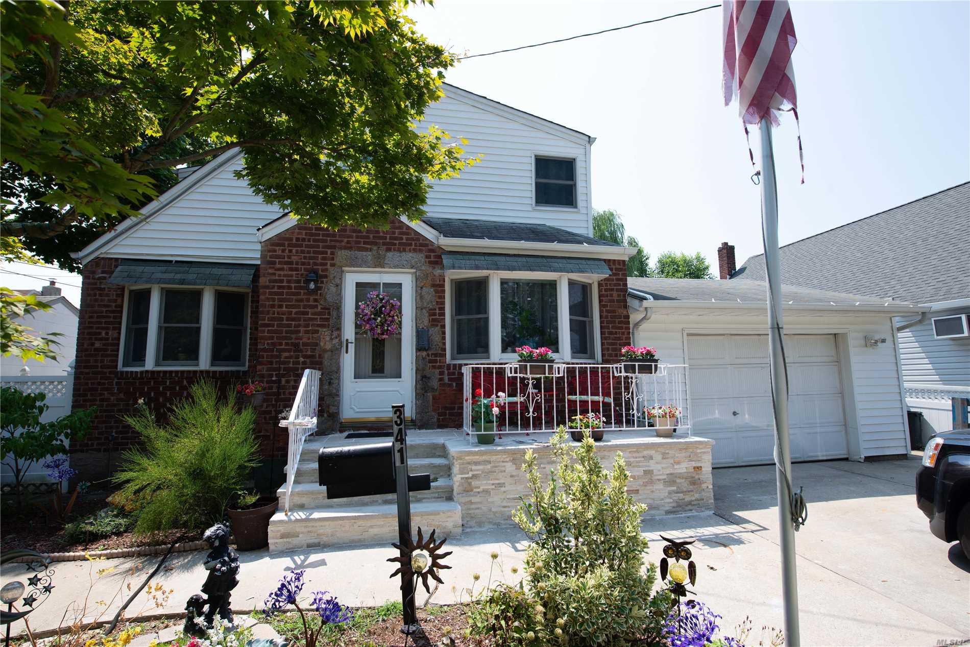 341 Concord Ave W. Hempstead, NY 11552