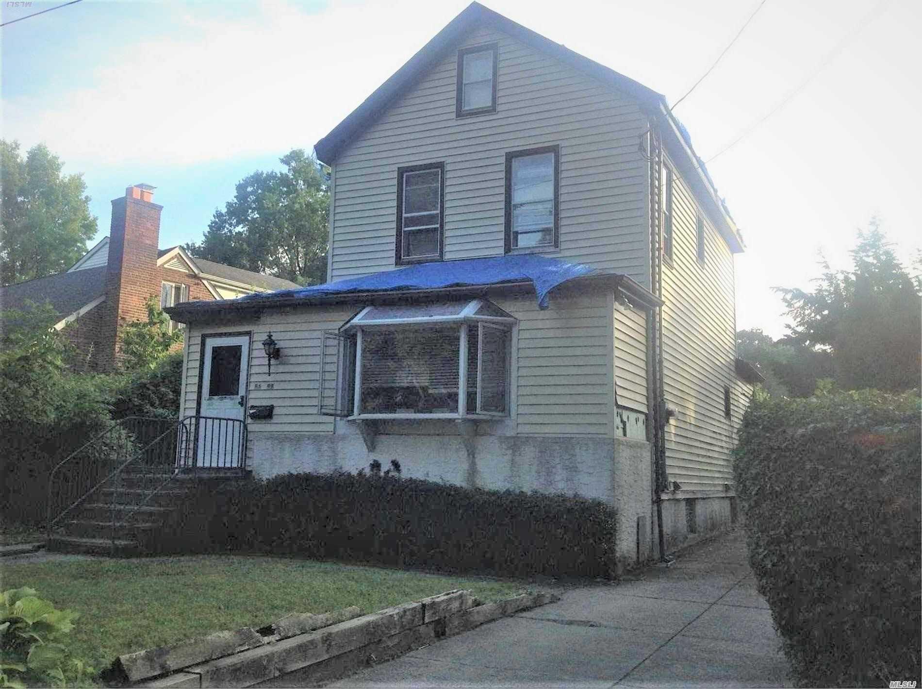 86-98 Sancho St Holliswood, NY 11423