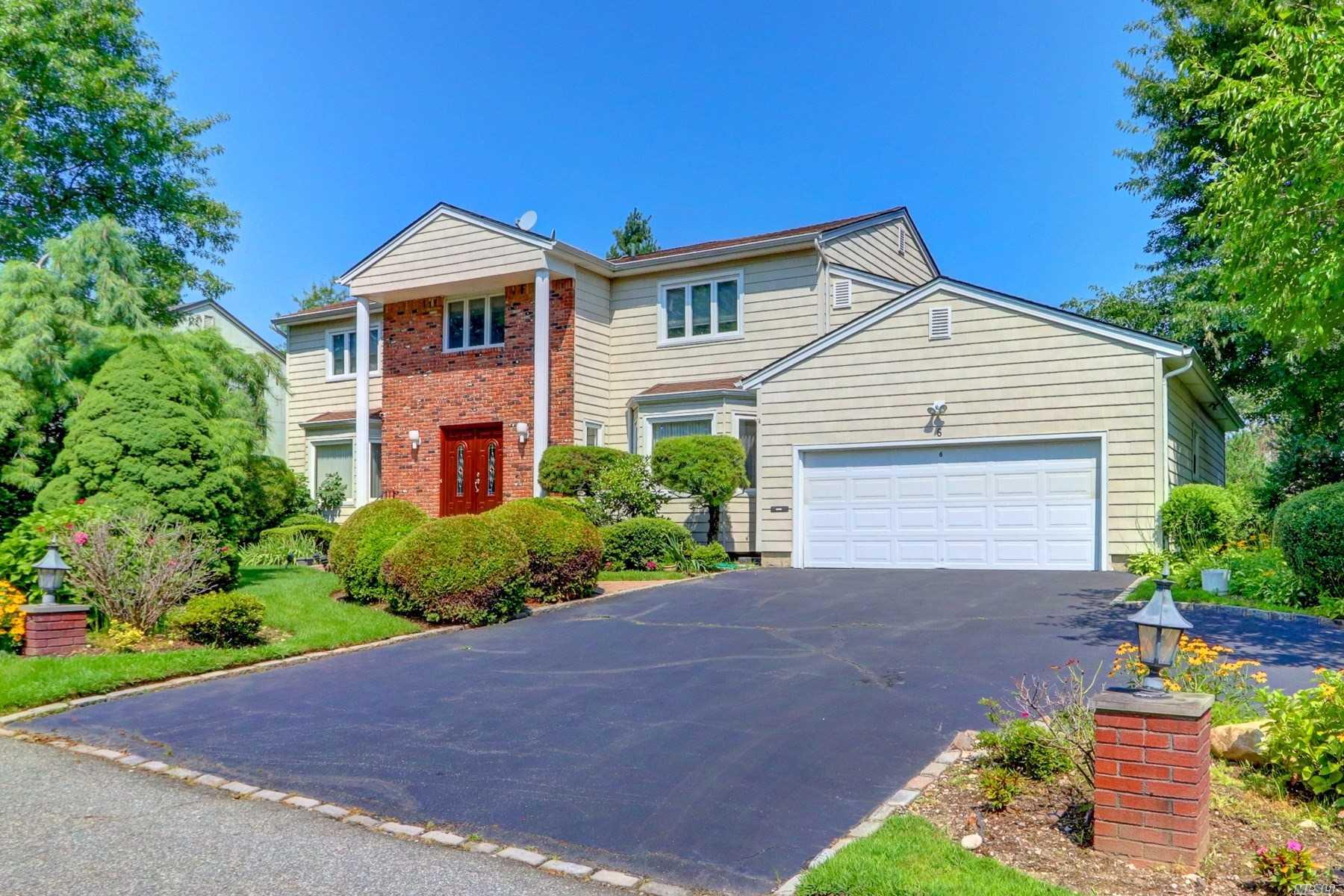 6 Estates Dr East Hills, NY 11576
