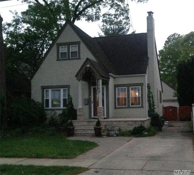 1754 Victoria St N. Baldwin, NY 11510