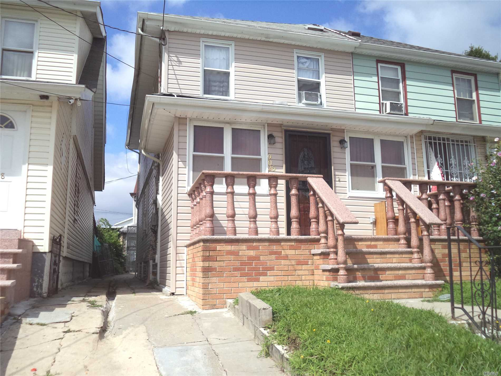 90-26 197th St Hollis, NY 11423