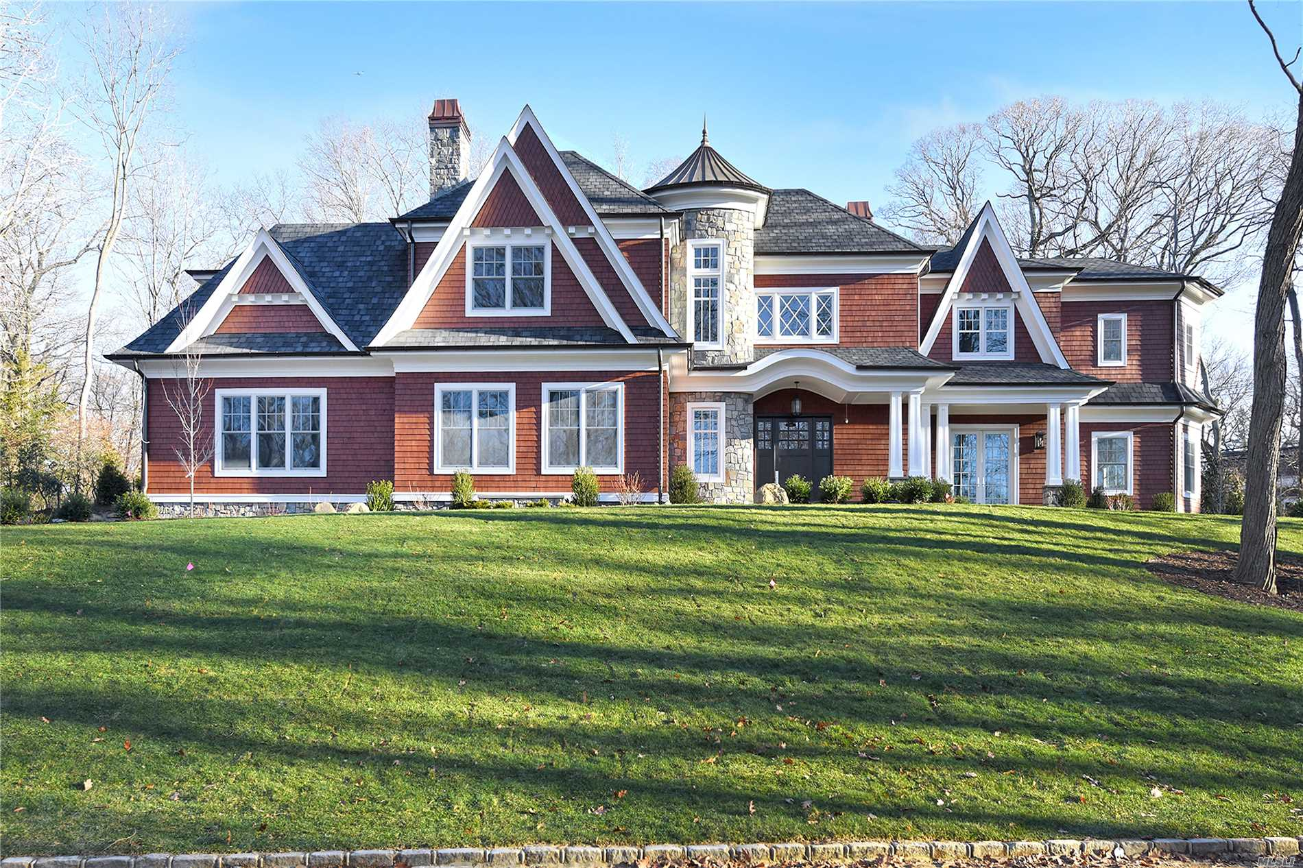 43 Barkers Point Rd Sands Point, NY 11050