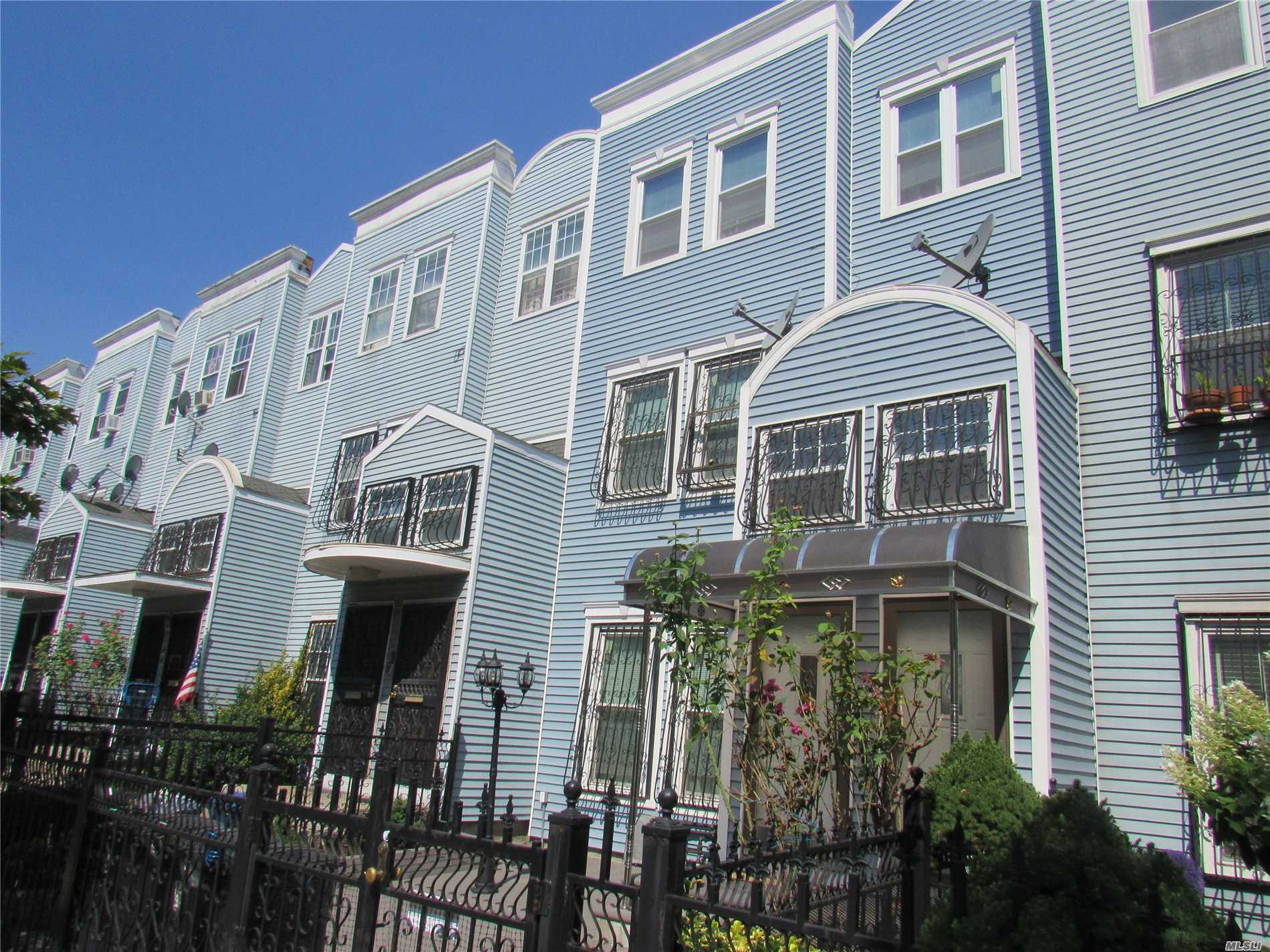 925 Hancock St, Bedford-Stuyvesant in Brooklyn County, NY 11233 Home for Sale