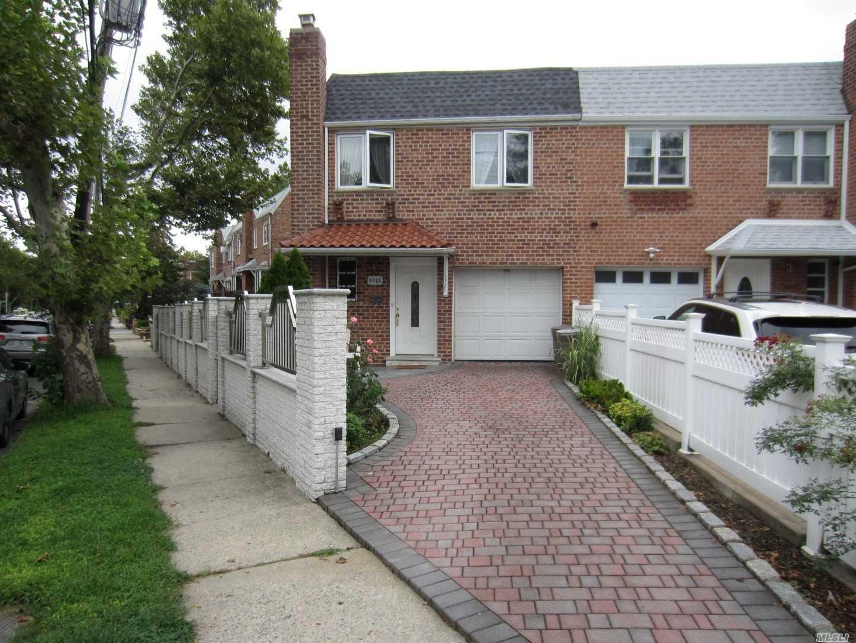 63-01 71st St Middle Village, NY 11379