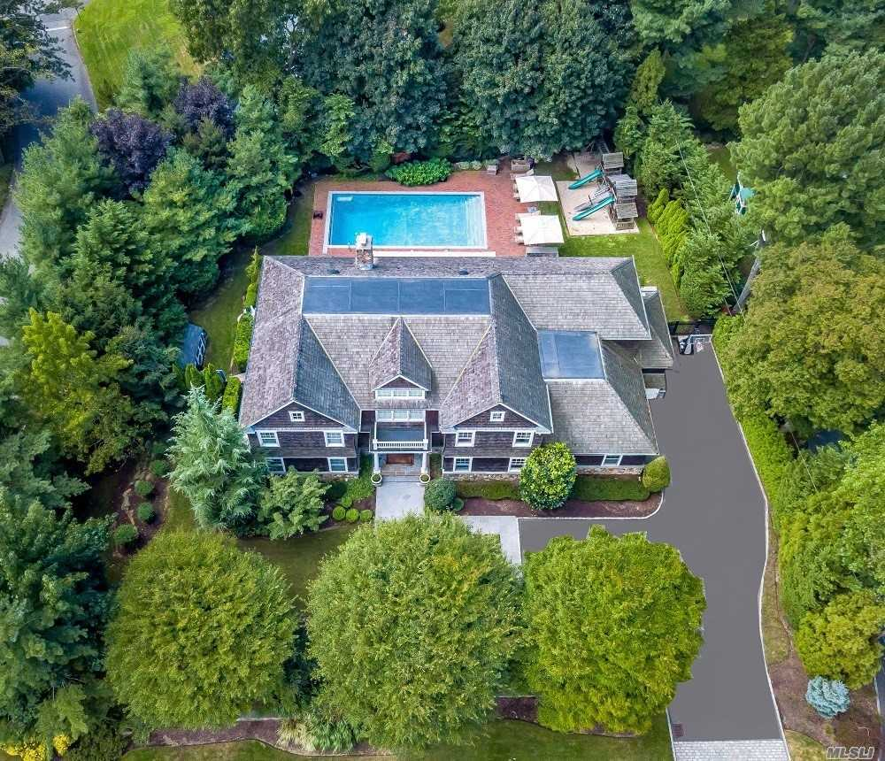 115 Heather Drive East Hills, NY 11576