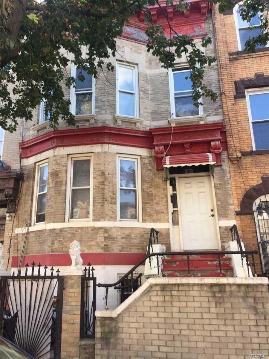 220 Schaefer St Bushwick, NY 11207
