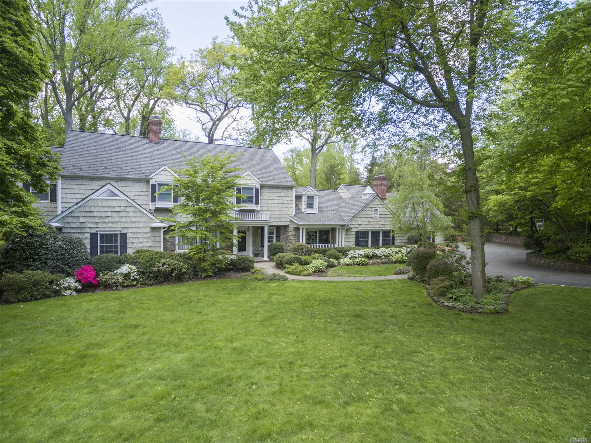 24 Bonnie Heights Rd Manhasset, NY 11030