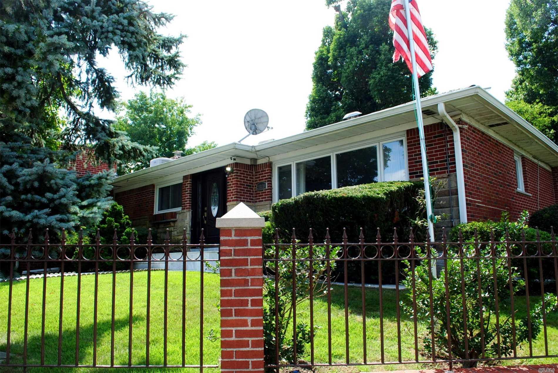 218-04 Stewart Rd Hollis Hills, NY 11427