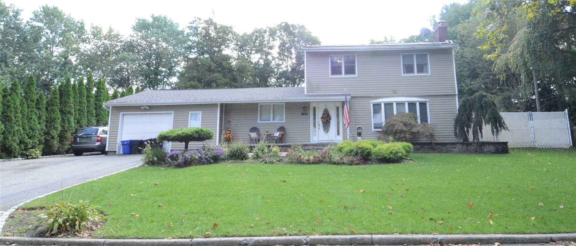 primary photo for 7 Corsa St, Dix Hills, NY 11746, US