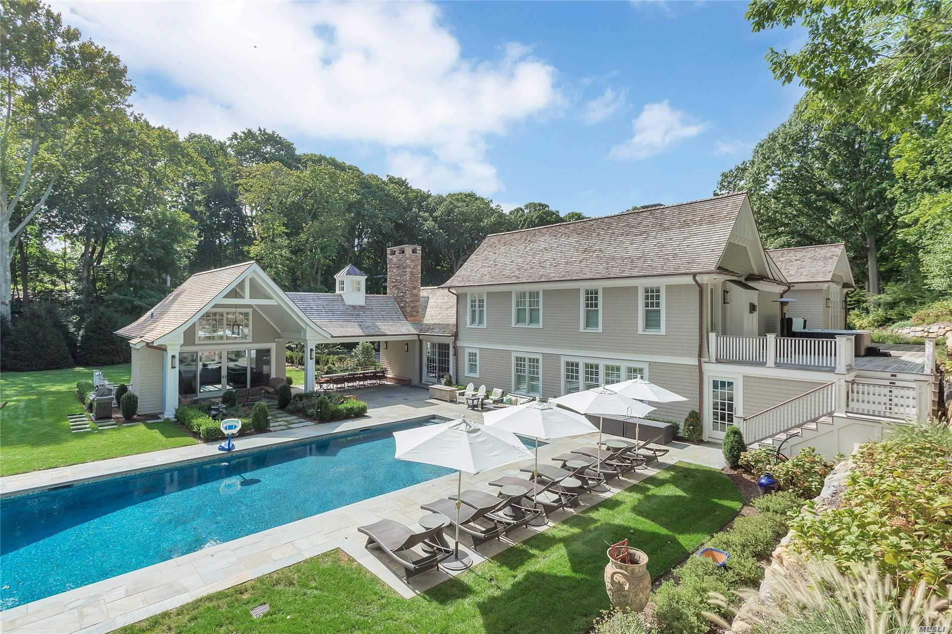 27 Cow Neck Rd Sands Point, NY 11050