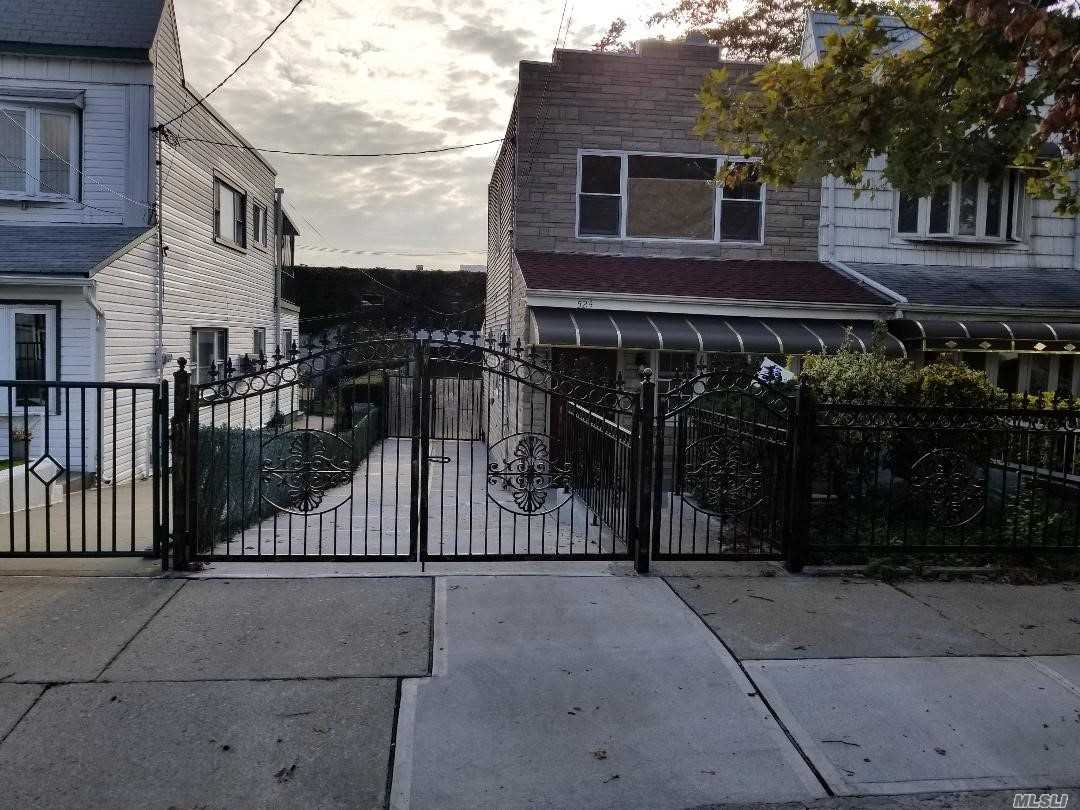One of Brooklyn-Canarsie 3 Bedroom Homes for Sale at 524 E 85th St