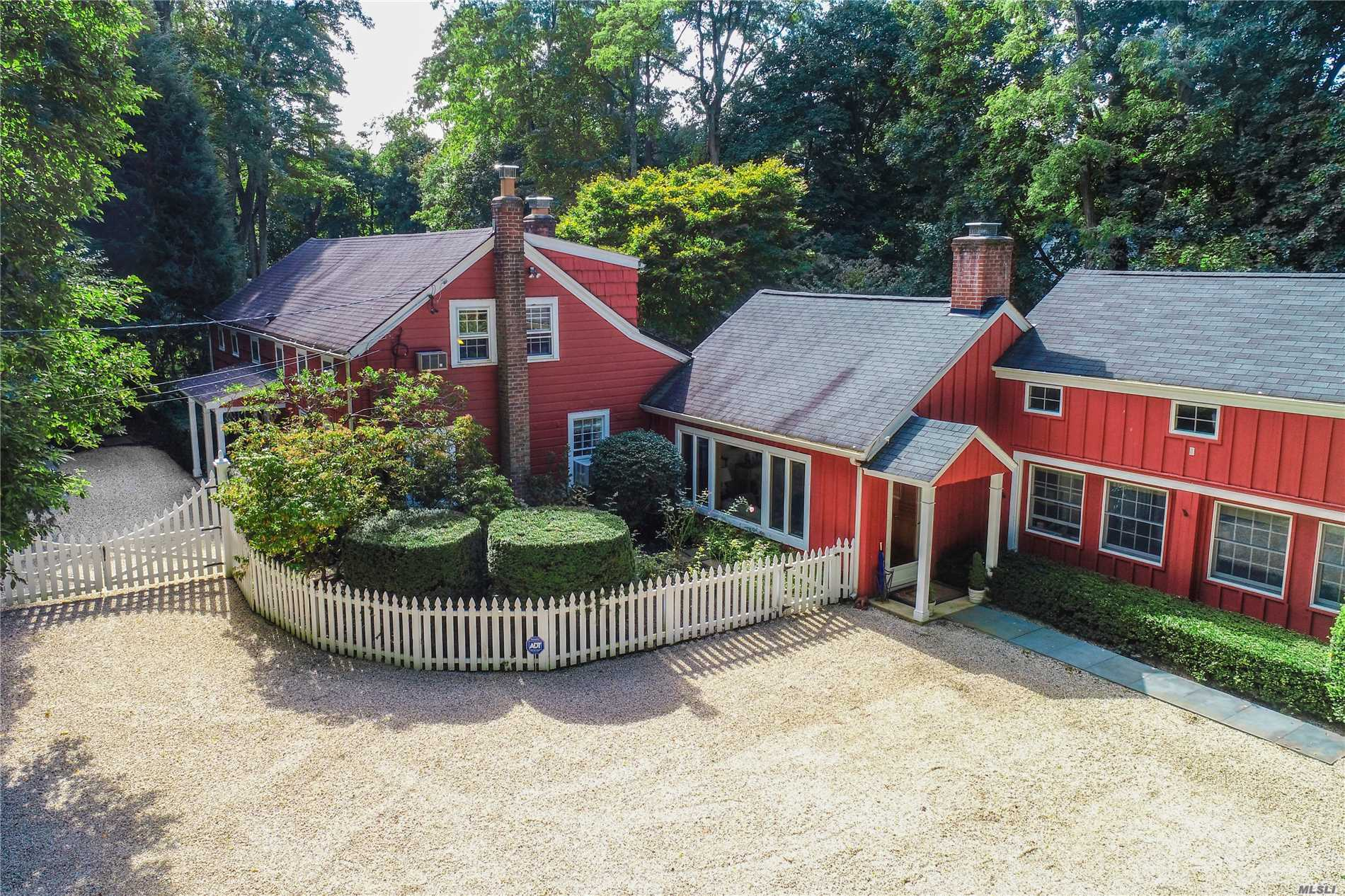 461 Berry Hill Rd Oyster Bay Cove, NY 11791